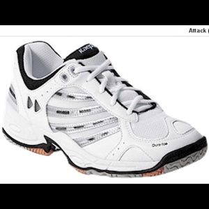 KAEPA WHITE & BLACK VOLLEYBALL SNEAKERS SIZE 10.5, used for sale